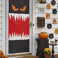 halloween-front-door-l