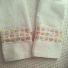 Kids cupcake towels for school. Very cute from o mundo de Vivx