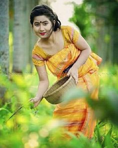 A Bodo Girl from Assam 📷 Courtesy: Ansu Brahma Model Pictures, Girl Pictures, Beautiful People, Beautiful Women, Stylish Photo Pose, Northeast India, Indian Photoshoot, Beauty Around The World, Bodo