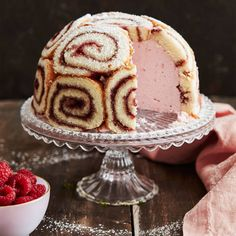 charlotte recept russe Charlotte russe receptYou can find Charlotte russe and more on our website Mini Desserts, Pudding Desserts, Dessert Recipes, No Bake Cookies, Cake Cookies, Cupcakes, Charlotte Russe Cake, British Baking, Piece Of Cakes