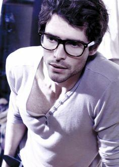 girls love nerds.... well, the hot nerds #nerd #sexy #glasses