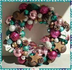 Kerstkrans Ornament Wreath, Ornaments, Wreaths, Home Decor, Deco Mesh Wreaths, Embellishments, Garlands, Home Interior Design, Floral Arrangements