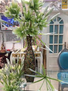 jarrones decorados con flores por www.virginia-esber.es