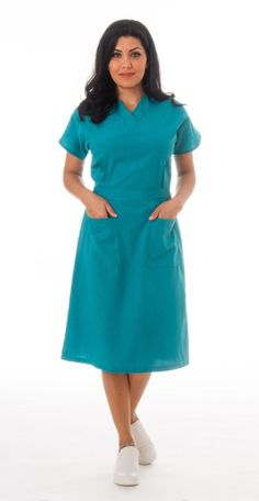 I used to wear a green dress much like this. I loved it! Grad Dresses, Casual Dresses, Dresses For Work, V Neck Dress, Dress Skirt, Scrub Skirts, Vet Scrubs, Scrubs Outfit, Mode Mantel