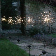 Outdoor Starburst LED Stake Light Solar Powered – 90 LEDs – Home decoration ideas and garde ideas Outdoor Deck Lighting, Outdoor Light Fixtures, Indoor Outdoor, Pathway Lighting, Outdoor Decor, Porch Lighting, Rustic Outdoor, Outdoor Ideas, Solar Licht