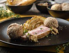 Rosa Kalbstafelspitz mit Spitzkraut, Walnüssen und Thymian-Grießknödeln Rezept Kraut, Steak, Pork, Beef, Cooking, Food And Drinks, Food Food, Kale Stir Fry, Meat