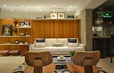 Os arquitetos do E3 Arquitetura apostaram no mix dos estilos na paleta de cores e no mobiliário