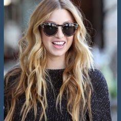 Whitney Port and her ever perfect tresses.