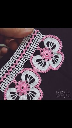 42 sample crocheted lace to trim the edge of the product with the schemes. Crochet Lace Edging, Crochet Leaves, Crochet Borders, Crochet Stitches Patterns, Thread Crochet, Irish Crochet, Crochet Designs, Crochet Doilies, Crochet Flowers