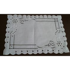 Bandeja ! #bandejarechileur #bordadorechileu #bandejadecorada… Border Embroidery Designs, Hardanger Embroidery, Hand Embroidery Stitches, White Embroidery, Embroidery Patterns, Machine Embroidery, Linen Cupboard, Lacemaking, Cut Work