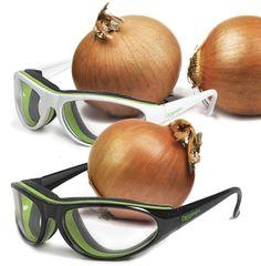 Gafas especiales para cortar cebollas sin llorar.