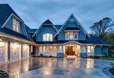 Shingle Style Home with Casual Coastal Interiors - Home Bunch – Interior Design Ideas