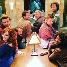 Supernatural I love this show. I love Crowley and castiel and Crowleys mom. Sam Winchester, Winchester Brothers, Jared Padalecki, Castiel, Crowley, Jensen Ackles, Daneel Ackles, Supernatural Tv Show, Supernatural Seasons
