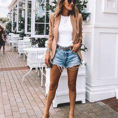 Shorts jeans nude blazer summer chic style gucci belt outfit  #Regram via @www.instagram.com/p/CDkbpZNJo7_/