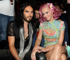 Justin Bieber Photobomb Katy Perry & Russell Brand's MTV VMA Photo