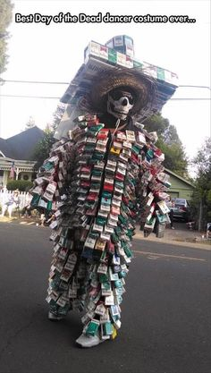 Post with 4159 votes and 8355 views. Best Day of the Dead dancer costume ever Most Creative Halloween Costumes, Halloween Couples, Diy Halloween, Hilarious, Funny Memes, Cosplay, Humor Grafico, Have A Laugh, Funny Pins