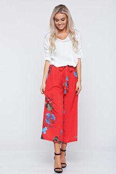 Pantaloni casual cu croi larg rosii cu imprimeuri florale - http://hainesic.ro/pantaloni/pantaloni-casual-cu-croi-larg-rosii-cu-imprimeuri-florale-ddac4f4d1-starshinersro/