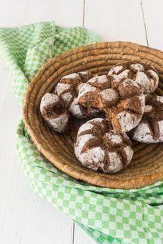 World& best low carb walnut rolls, simple and safe! - Walnut rolls low carb Informations About Weltbeste Low Carb Walnuss- Brötchen, einfach und gelingsi - Avocado Dessert, Paleo Dessert, Health Benefits Of Walnuts, Walnuts Nutrition, Egg Nutrition Facts, Diet And Nutrition, Low Carb Bread, Low Carb Diet, Avocado Toast