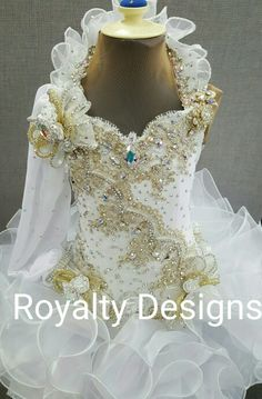 Gorgeous Custom Design attire for children teens, miss. See on Toddlers and Tiaras, natural to Glitz attire. Toddler Pageant Dresses, Beauty Pageant Dresses, Pagent Dresses, Junior Bridesmaid Dresses, Party Dresses, Girls Dress Up, Little Girl Dresses, Purple Bridesmaid Dresses, Bridesmaids