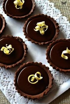 Keebler Mini Cookies Cup - Now Desserts Small Desserts, Fancy Desserts, Delicious Desserts, Yummy Food, Italian Desserts, Holiday Desserts, Tart Recipes, Sweet Recipes, Cookie Recipes