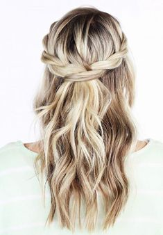 Simple But Beautiful Bohemian Wedding Hairstyles Ideas To Makes You Look Pretty 76  #hairstyles #hair #hairstylesideas