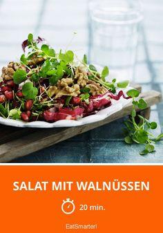 Salat mit Walnüssen und Granatapfel | http://eatsmarter.de/rezepte/salat-mit-walnussen