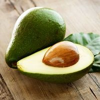 Surprising Ways Eat the Avocado Pit Find out how to eat an avocado seed for weight loss. Plus, healthy recipes that include an avocado seed.Find out how to eat an avocado seed for weight loss. Plus, healthy recipes that include an avocado seed. Avocado Recipes, Avocado Facts, Healthy Recipes, Easy Recipes, Avocado Smoothie, Amazing Recipes, Avocado Leaves, Herbs