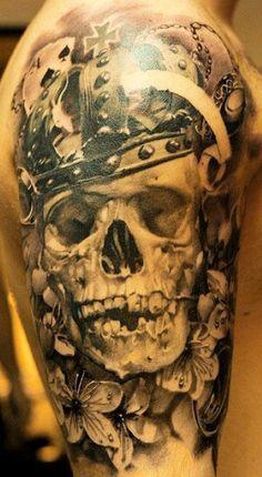 Tatuaje rey calavera.