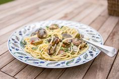 Useful guides for your home, seasonal styling, travel tips and decorating ideas, delicious recipes, and lots of other ideas that are sure to inspire. Linguine, Spaghetti, Yummy Food, Ethnic Recipes, Delicious Food, Spaghetti Noodles