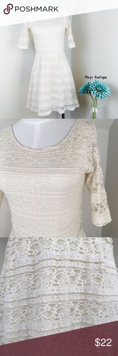 ⭐️Stunning Vintage Lace Mid Sleeve Dress⭐️ ⭐️Stunning Vintage Lace Mid Sleeve Dress⭐️ Excellent Condition! Size small. Vintage lace style. Perfect for a nice event, wedding and more! Next day shipping. All sales are final. Dresses Midi