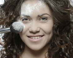 Poti folosi bicarbonat de sodiu in tratamentele cosmetice, pentru ca are o multime de proprietati pentru frumusete. E si un remediu ieftin si accesibil.