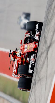 2017/10/21:Twitter:@F1: Vettel to use new chassis for remainder of #USGP weekend after problems on Friday >> f1.com/USA-VettelChas… #フェラーリSF70H #SF70H #Ferrari #F1 #F12017 #FormulaOne #SV5 #Kimi7iceman
