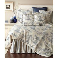 Luxury Comforter Sets, Blue Bedding Sets, Queen Comforter Sets, Bedroom Comforter Sets, Blue Bedroom Paint, Blue Bedroom Decor, Home Bedroom, Bedroom Furniture, Master Bedroom