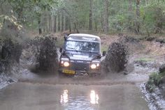 Land Rover Defender tries to run over water