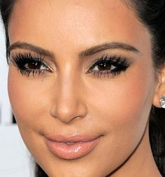 Kim Kardashian Makeup Look # 16 Kim Kardashian Makeup Looks, Kardashian Beauty, Skin Makeup, Beauty Makeup, Hair Beauty, Makeup Tips, Cool Face, Makeup Obsession, Photo Makeup