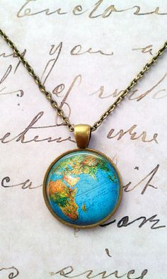 Map Necklace, Vintage, World, Globe, Science, Geek, Steampunk, Travel T910