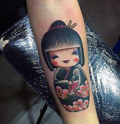 Ed ecco la mia Kokeshi in versione Make Up Artist onore al mio lavoro ❤️ Grazie @alessio_oni_de_luca #art #tattoo #tattoos #tatoogirl #tatoogirl #tattooedgirls #tattooart #tatuaggio #kokeshi #kokeshitattoo #kokeshidoll #kokeshigirl #tantolove #igaddict #igdaily #insta #instapic #instagirl #instatattoo #instatattoos #instatattoolovers #instagram #lovely #doll #dolltattoo #makeupartist #mua #makeupaddict #myjob #tatuagemfeminina #TatuagensFemininas @tatuaggi_