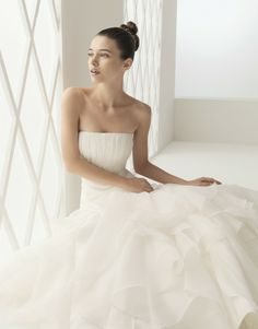 Aire Barcelona Bohemia Bridal Gown