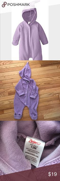 Baby Zutano Elf romper This is everything!! I had one for each of my children. It is THE WARMEST and CUTEST little romper for cold weather!! Has the feature to cover your little ones hands like mittens as well as cover the feet like booties. This is in great condition😊 smoke free pet free home One Pieces