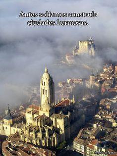 """""""Antes solíamos construir ciudades hermosas"""".  inspirado en Wrath of Gnon.  Imagen: Segovia (España)"""