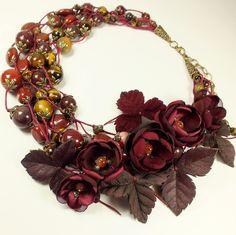 Купить Терпкий Блюз. Колье, цветы - бордовый, бордо, колье, цветы, листья, кожа, натуральный