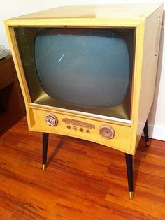 mid century Telly http://www.pinterest.com/pin/127437864427426419/ & http://www.pinterest.com/pin/370421138072531089/