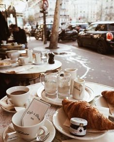 My favorite cafe in Paris. Coffee Break, Coffee Time, Morning Coffee, Drink Coffee, Coffee Art, Coffee Mugs, Café Croissant, French Croissant, Superfood