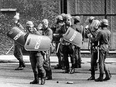Wojsko i policja na ulicach w trakcie stanu wojennego