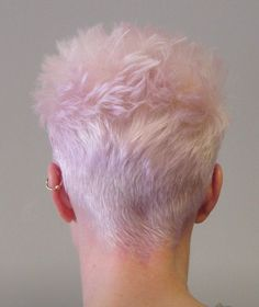 Pixie Hairstyles, Pixie Haircut, Cool Hairstyles, Very Short Pixie Cuts, Short Hair Cuts, Choppy Bangs, Creative Hairstyles, Short Styles, Silver Hair