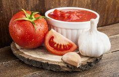 Paradajkovo-cesnaková zmes Cantaloupe, Herbs, Fruit, Vegetables, Desserts, Gaspacho Recipe, Cream Soups, Yummy Recipes, Cooking Recipes