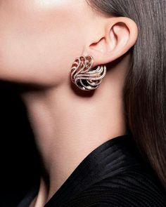 At @degrisogono. Our #OndeEarrings perfectly and effortlessly embrace a ladies ear #deGRISOGONO #BaselWorld2017 #OndeCollection