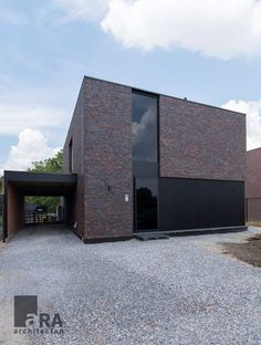 Modern Brick House, Modern Small House Design, Minimalist House Design, Concept Models Architecture, Brick Architecture, Residential Architecture, Facade Design, Exterior Design, Home Building Design