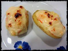 Patatas rellenas de surimi al ajillo