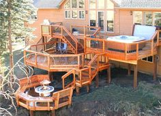 If you are curious to find out how this might work, dive in my wonderful collection of Deck Design Ideas With Hot Tubs That Will Blow Your Mind and share your impressions with me. Whirlpool Deck, Tiered Deck, Hot Tub Deck, Deck Pictures, Deck Construction, Deck Builders, Diy Deck, Deck Plans, Decks And Porches
